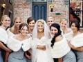 moment-bonheur-robe-demoiselle-dhonneur-longue-avec-nouvelle-mariée